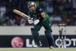 All-round heroics from Hafeez help Pakistan into semi-finals