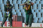 de Villers steers South Africa to consolation win