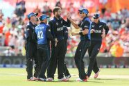 Vettori leads New Zealand to fifth straight win - Cricket News
