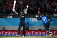 Elliott the hero as New Zealand makes final - Cricket News