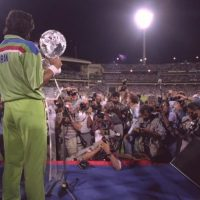Khan leads from the front to give Pakistan glory in '92