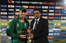 South Africa tops Sri Lanka in seven-over bash - Cricket News