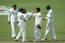 Pakistan sinks further on Day 3 - Cricket News