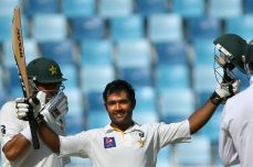 South Africa wins despite Shafiq heroics - Cricket News