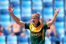 South Africa brush Pakistan aside in final - Cricket News