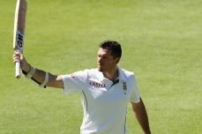 Smith falls cheaply as South Africa totters - Cricket News