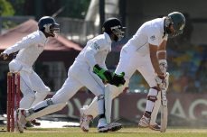 South Africa grinds its way to No. 1 spot - Cricket News