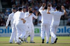 India knocked out cold at Old Trafford - Cricket News
