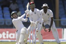 Injured Mushfiqur keeps Bangladesh afloat - Cricket News