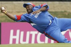Dwayne Leverock's Stunning One Handed Catch