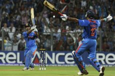 Dhoni delivers World Cup Glory for India