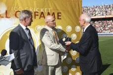 Martin Crowe inducted into the ICC Cricket Hall of Fame - Cricket News
