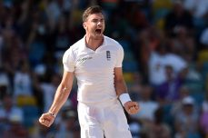 England loses five after Anderson heroics - Cricket News