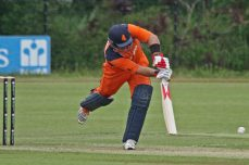 Malik bowls Netherlands to victory against PNG - Cricket News