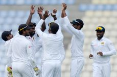 Sarfraz defiant as bowlers put Sri Lanka on top - Cricket News