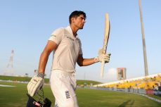 Double-centurions Cook and Shoaib on the charge - Cricket News