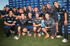 Guptill, Williamson take New Zealand home in tense finish  - Cricket News