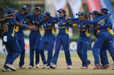 Oshadi four gives Sri Lanka women victory - Cricket News