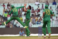England, Pakistan win warm-up matches - Cricket News