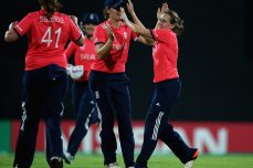 England and New Zealand emerge as serious contenders for women's title after unbeaten runs - Cricket News