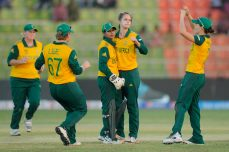 Last ball heartbreak for Ireland women - Cricket News