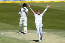 Steyn returns to the top of Test bowlers' rankings - Cricket News