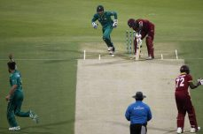 Imad, Malik star as Pakistan wins 3-0 - Cricket News
