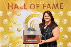 Karen Rolton inducted into the ICC Cricket Hall of Fame - Cricket News