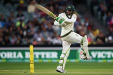 Khawaja ton gives Australia vital lead - Cricket News