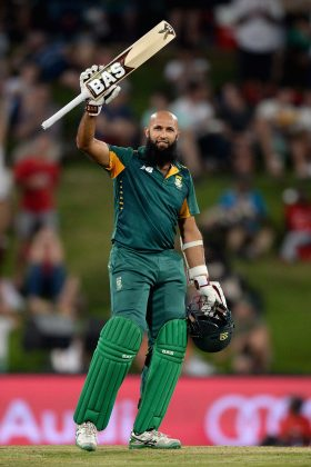 South Africa rides on Amla, de Kock tons in tall chase - Cricket News