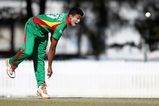 Bangladesh's Arafat and Taskin suspended from bowling in international cricket