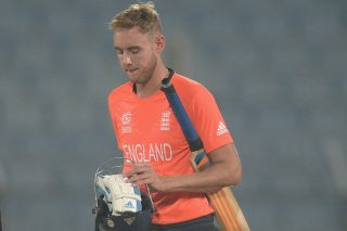 Stuart Broad walks back after South Africa beat England by three runs. - ICC T20 News