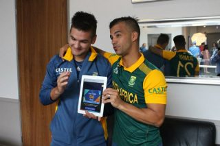 JP Duminy and Rilee Rossouw pose with the twitter mirror during a South Africa media session.