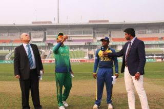 The toss between Sri Lanka U-19 and Pakistan U-19.