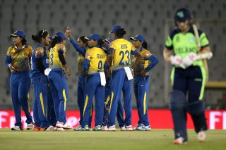 Sri Lanka Women braves Metcalfe brilliance