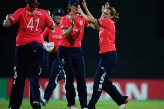 England and New Zealand emerge as serious contenders for women's title after unbeaten runs