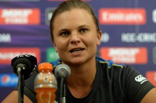 Suzie Bates scoops ICC Women's ODI and T20I Player of the Year awards - ICC Awards