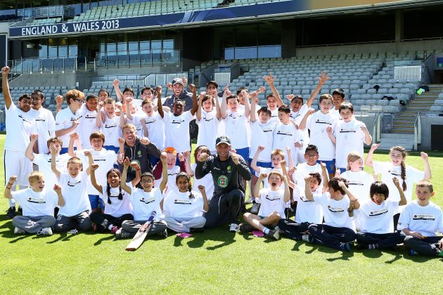 Warner, Hughes and Maxwell go into bat for local children from Birmingham - Cricket News