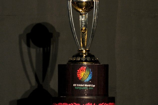 Kirmani unveils CWC Trophy - Cricket News