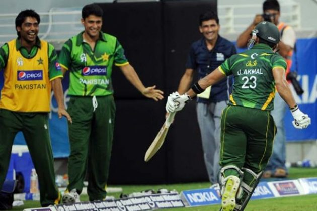 Pakistan edge out Australia in thriller - Cricket News