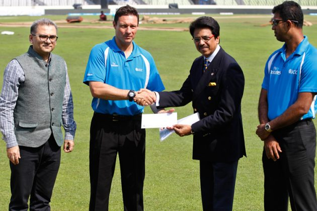 Elite umpires donate US$10,000 to Operation Cleft charity - Cricket News