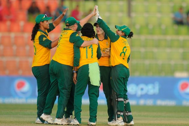 South Africa Women keeps semi-final hopes alive - Cricket News