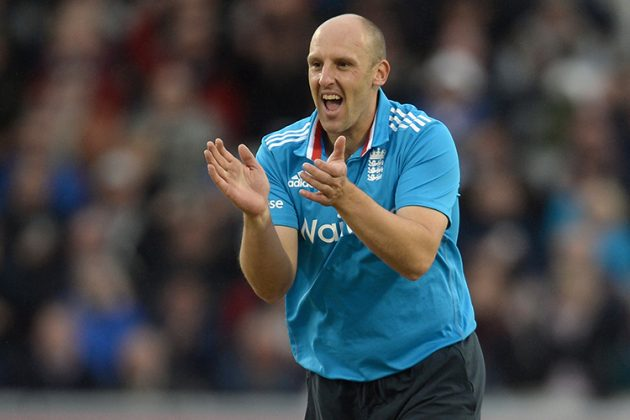 Tredwell, Senanayake achieve career-best rankings - Cricket News