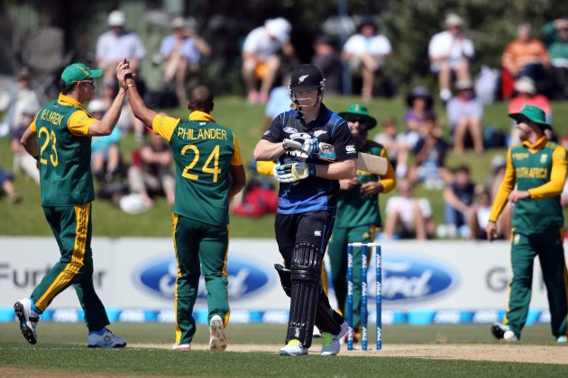 De Villiers, Duminy steer South Africa home - Cricket News