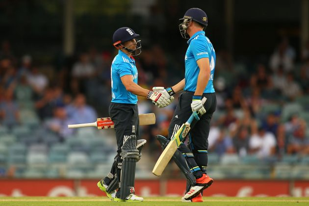 ​England battles through to reach tri-series final - Cricket News