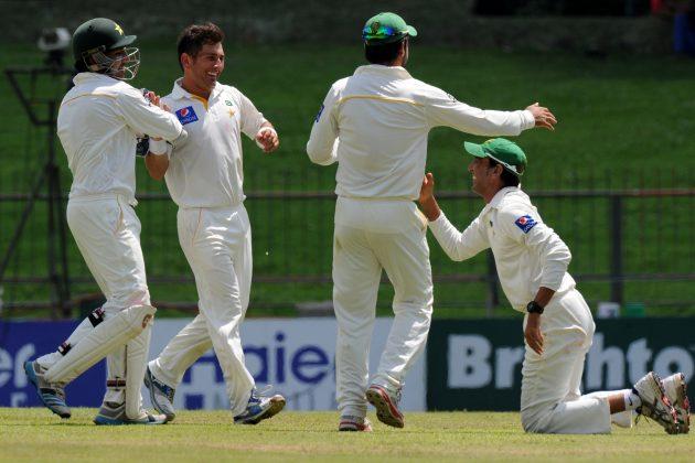 Karunaratne stands tall as Yasir rocks Sri Lanka  - Cricket News