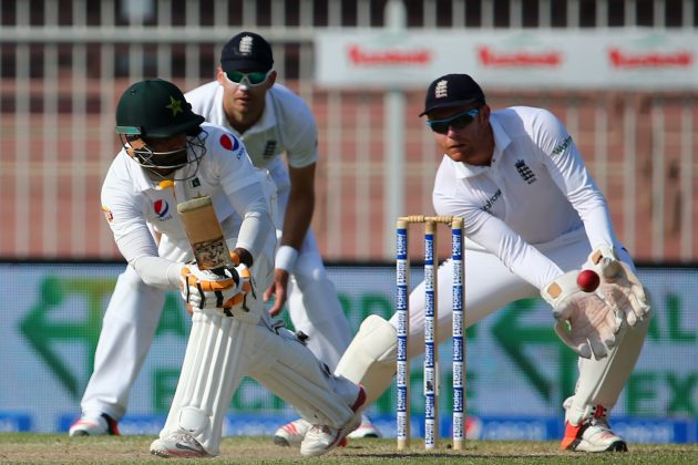 Calm Hafeez keeps Pakistan steady - Cricket News