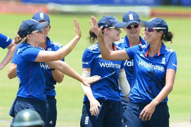 Knight, Elwiss guide England Women home