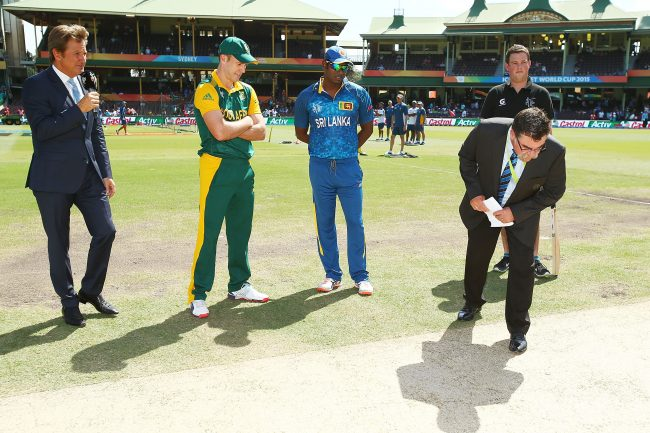 AB de Villiers and Angelo Mathews take part in the coin toss.