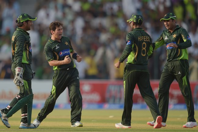 Yasir Shah celebrates the wicket of Hamilton Masakadza.